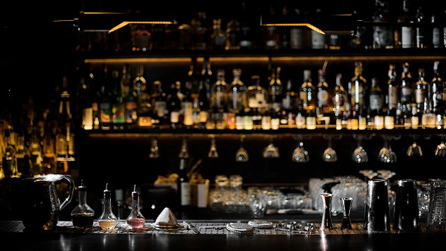 Stock photo of a bar at an upscale pub/restaurant